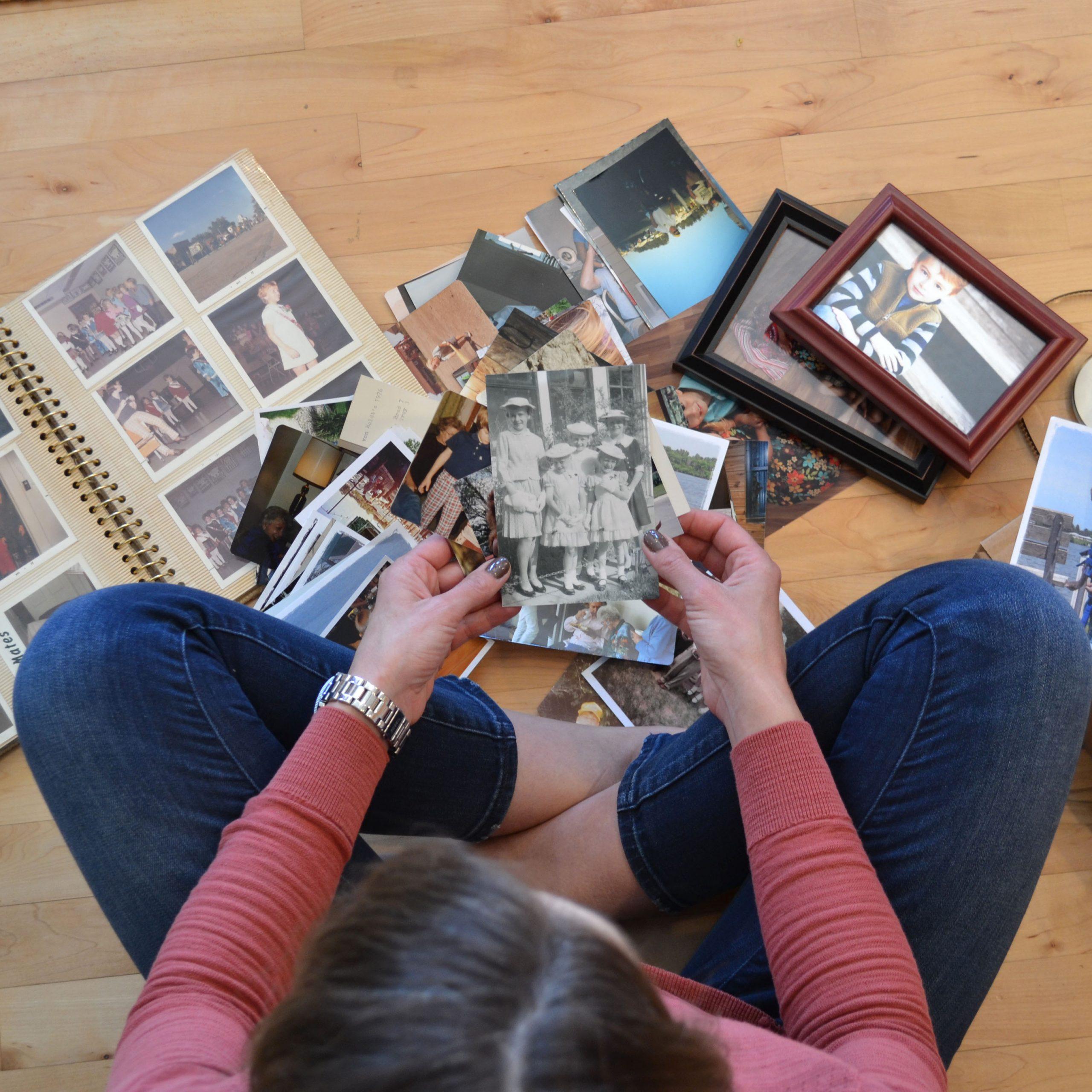 photo scanning sorting photos